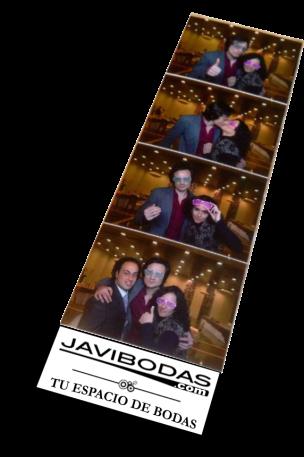 tira de cuatro fotos de fotomaton de boda